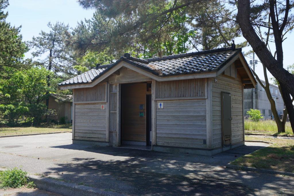 淡島フェリー乗り場近くのトイレ