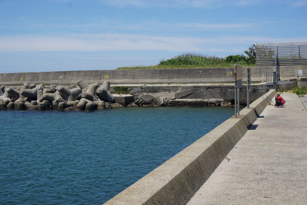 西堤防入り口