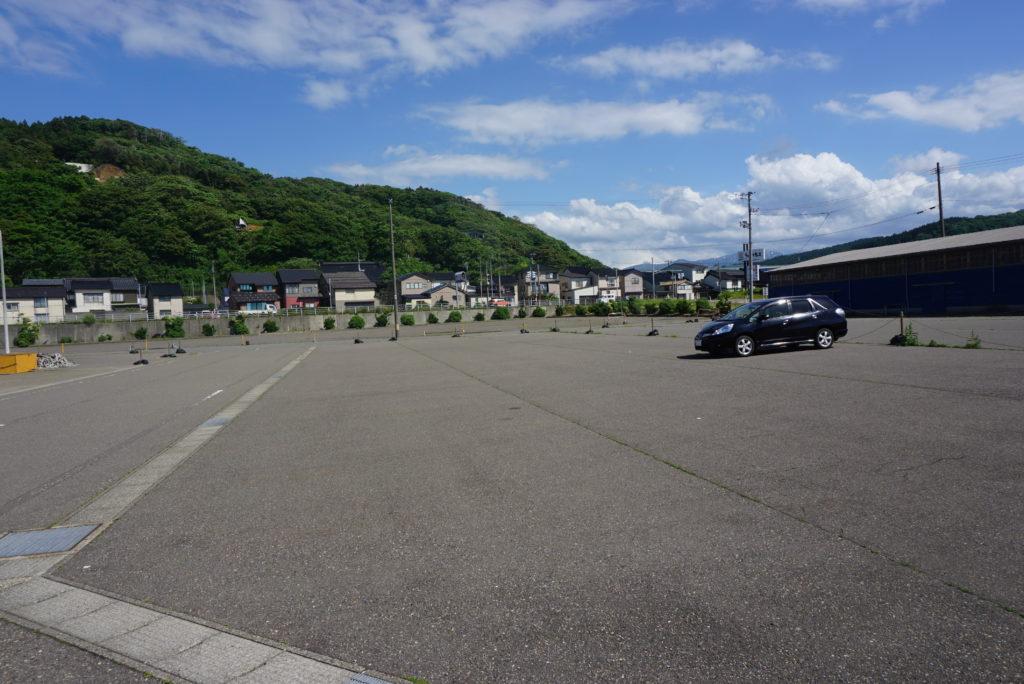 西堤防駐車スペース