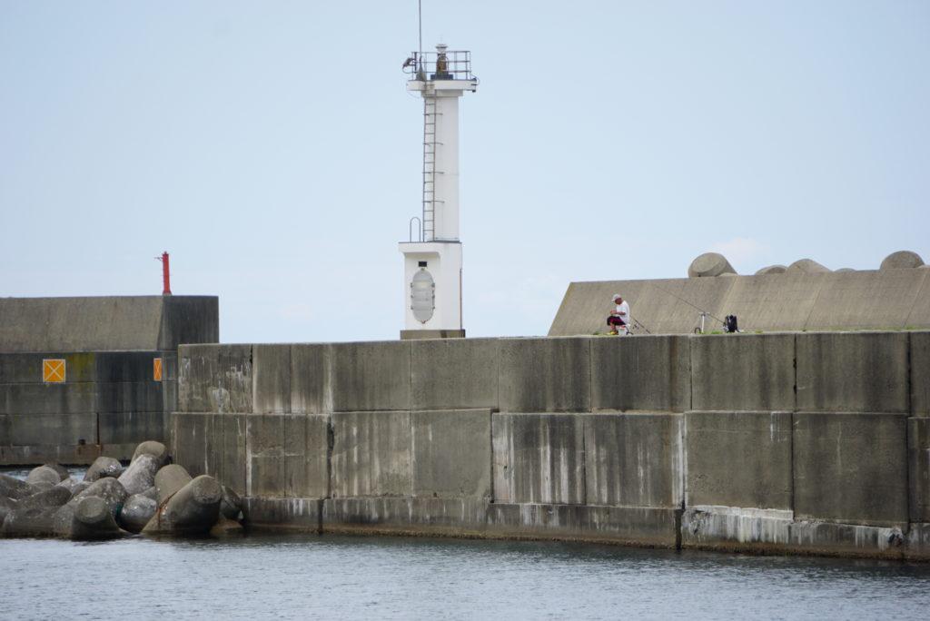 東堤防と沖堤防の様子