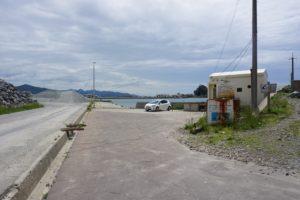 白灯台堤防の入り口